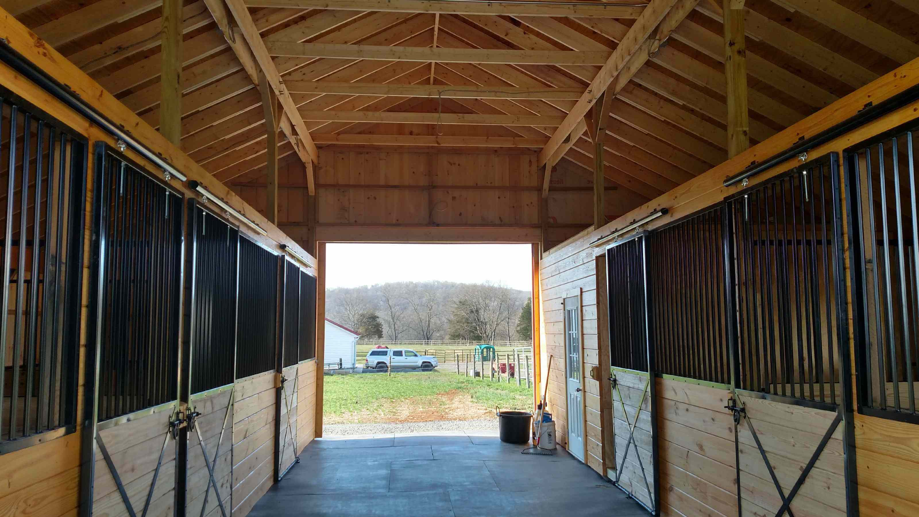 Determining The Proper Aisle Width And Stall Size In Your Horse Barn Horse Barns Of Virginia